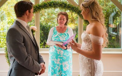 Do you want a beautiful personalised celebrant wedding but are concerned regarding the legalities?